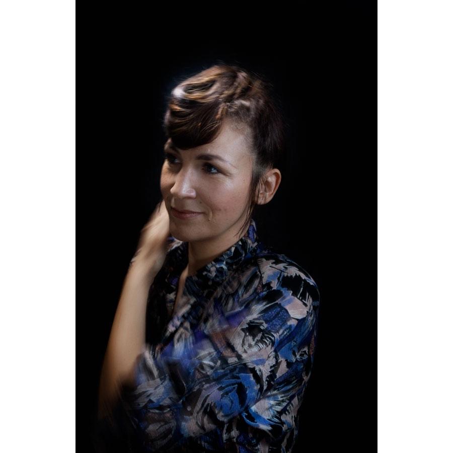 Caroline Sascha Cogez, instruktør